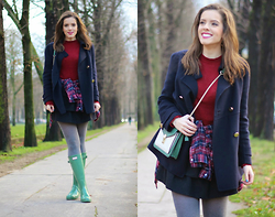 Leonor Castro - Shirt, Hunter Boots, Carolina Herrera Coat - Wine Red