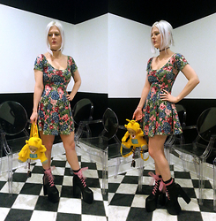 Suzi West - Rvca Floral Skater Dress, Teletubbies Teletubby Backpack Purse, Unif Salem Boot - 04 March 2015