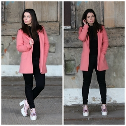 Holly Court -  - Pink Coat