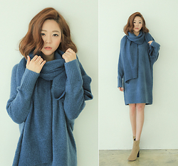 Saea Eom - Blue Color Knitted Dress, Blue Color Muffler, Camel Color Ankle Boots - Blue is love