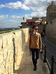 Gio' Mori - Gucci Sunglasses, Gucci Tie, Valentino White Cotton Shirt, Banana Republic Wool Sweater, Antony Morato Skinny Jeans, Gucci Cross Bag, Gucci Sneakers - La Valletta, Malta