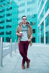 Emanuel Iuhas - Starbucks Coffee, C&A Sweatshirt, Zara Jeans, Adidas Boots - Winter's warm days