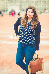 Kathryn W -  - Spots on Bellecour Square