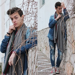 Marco Santoro - 2star Sneakers, Gucci Scarf - Red is the color of the passion