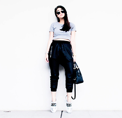 Czle Bernadette - H&M Jogger Pnats, Zara Studded Office City Bag In Mini, Zara Slogan Sneakers - BOYFRIEND'S PANTS