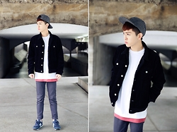 Bomber Jhu - G.U Short Black Jacket Version Linter, Crocodile Long Plain White T Shirt, Forever 21 Long Watermelon Red Pigment T Shirt, New Balance Retro Sneakers, Obey Split Five Woolen Cap - Short and long