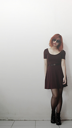 Katrina Doloricon - Forever 21 Maroon Fit & Flare Dress, I2i Sunglasses, H&M Boots - White wall