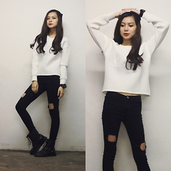 Ruth J. - Sheinside White Neoprene Wang Sweatshirt, Choies Black Ripped Jeans, Dresslink Black Knit Beanie - Neoprene x Ripped