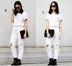 Konstanzia and Atusa Lechler - Pull & Bear Jeans, Zara Clutch, Zara Boots - ALL WHITE