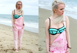 Jenny Burgartz - Triangl Bikini, Wildfox Jumper - I WANT YOU TO KNOW ...