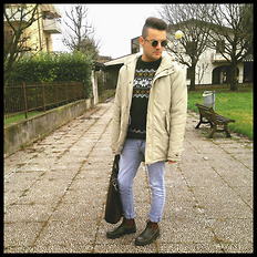 Gabriele Giuzzi - Spitfire Sunglasses, Blundstone Boots, Cheap Monday Jeans, Sisley Bag, Pull & Bear Sweater, Cotton & Silk Parka - New Parka