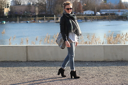 WMBG . - Stella Mccartney Bag, Ray Ban Sunglasses, Zara Boots - Sunny Afternoon