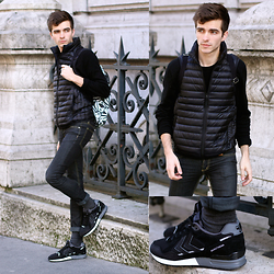 "Matthias C. - Uniqlo Padded Jacket, Cheap Monday Skinny Jeans, Hummel Marathona Sneakers, Cashmere Sweater - ""Cestrinos"""