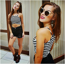 Bárbara Kohls - Choies Stripe Cropd Top, Sheinside High Waisted Shorts, Zaful Platform Chunky Heel Boots, Freyrs Cat Eye Sunglasses - Black and white dream