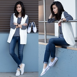Claire Liu - Chic Wish White Vest, J Brand Skinny Jeans, Keds Sneakers - Keds Style
