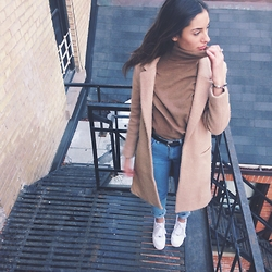 Olivia - American Apparel Jeans, Noul Turtleneck, Forever 21 Jacket, Nike Shoes -