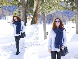 Anna Okonishnikova - Prada Bag, Miu Sunglasses, Pieces Scarf, Zara Leather Pants, Chloé Boots, Zara Sweater - COZY HOLIDAY