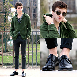"Matthias C. - Cashmere Hoodie, Asos Dark Green Chino, Pair Of Kings Buckled Shoes, Charlie Watch Red Bracelet, Oliver Peoples Sunnies - ""Hécate"""