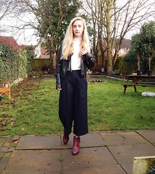 Isobel Thomas - New Look Burgundy Boots, Primark Pinstripe Culottes - Pinstripe Culottes