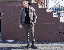 Kenneth Quinn - Giorgio Armani Jacket, Gap Olive Green Slim Fit Etroite Pants, H&M Black Sweater - Armani Exchange Jackets
