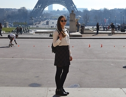 Bianca . - Primark Shirt, Urban Outfitters Skirt, Urban Outfitters Backpack, H&M Boots - Favorite Paris look