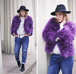 Stine Mo - Ebay Ostrich Feather Jacket, Sisters Point Sweater, Won Hudred Boyfriend Jeans - The fast lane