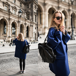 TIPHAINE MARIE - Coat, Bag, Sneakers - Paris Paris.