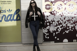 Olympia Pi - Pull & Bear Leather Jacket, H&M Tank Top, Pull & Bear Skinny Jeans, H&M Ankle Boots, Accessorize Satchel, Ray Ban Sunglasses - Heaven Knows