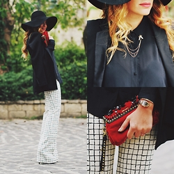 Souzana Baradie - H&M Floppy Hat, Zara Blazer, Zara Flared Pants, I Am Collar Chain, Bvlgari Serperti Watch, Prada Red Velvet Clutch - That 70's show