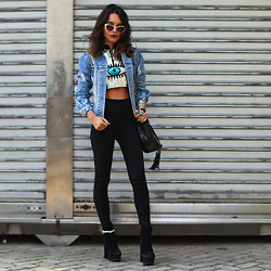 Alana Ruas - Sheinside Top, Zerouv Sun Glasses - Blue Foundation – Eyes On Fire