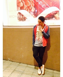 Kenneth Allan Soriano - Forever 21 Red And Blue Hoodie, Cotton On Printed Tank Top, Penshoppe Navy Green Jogger Pants, Vans Cream Gum Sole - Swag X Hip