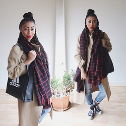 Lavinya Royes - Mango Checked Scarf, Vintage Camel Coat, Topshop Jeans, Converse Sneakers, Adidas Tote Bag - DO IT IN CONVERSE