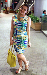 Shahani Lopez - Thrift Shop Dragonfly Print, Marikina Made Bag Yellow Tote, So Fab Brooklyn Chmpagne - Dragonfly in that dress