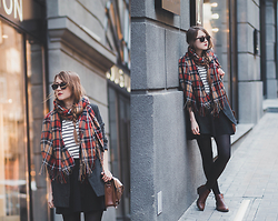 Nastia Poberezhna - Topshop Plaid Scarf, Stradivarius Striped Top, Bershka Skater Skirt, Sheinside Boyfriend Coat, Cambridge Satchel Bag, New Look Brown Chelsea Boots - Mixing the prints
