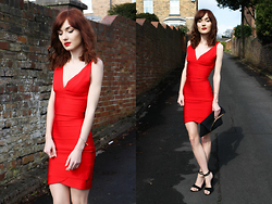 Amy Liddell - Style Me Celeb Red Kim Bodycon Dress, New Look Heels, Asos Roll Over Clutch - Russian Red