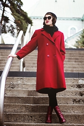 Naomi Larocque - Vintage Red Coat, Vintage Red Boots, Forever 21 Black Sunglasses - Lady in Red