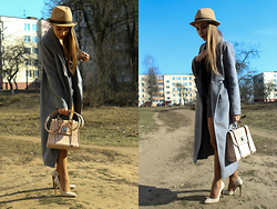 Julia Vorik - Sheinside Coat, New Look Bag, Zara Shorts, H&M Blouse, Diva Hat, Madewell Bange - A story of a long coat