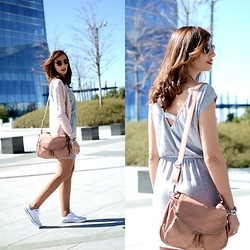 Silvia Rodriguez - Maison Scotch Dress, Maison Scotch Cardigan, Nat&Nin Bag, Converse Sneackers - Light casual dress