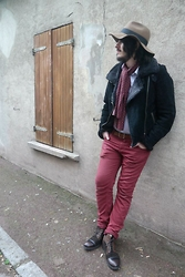 Charles Danet - Zara Hat, Zara Red Pants, Zara Boots, Vintage Scarf, Oakwood Leather And Furs Jacket - Rock in the 70s
