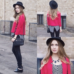 Julia Weber - Trouve Cropped Blazer, Marc By Jacobs Crossbody Bag, Free People Shirt, H&M Hat, House Of Harlow 1960 Necklace - Rocksbox x VT