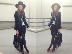 Sára Sošková - Pull & Bear Bag, Primark Jeans, Forever 21 Shoes, Zara Top, Zara Vest, H&M Hat - Fringe all around me