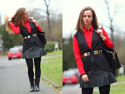 Rimanere Nella Memoria - Pikolinos Boots, Asos Belt, H&M Skirt, Diamonds & Pearls Blouse - Black and Red
