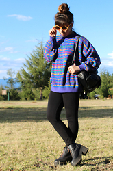 Karen Cardiel - Vintage Sweater, Leather Backpack, H&M Platform Zipper Shoes, Highbun, Circular Sunglasses - Lost in somewhere