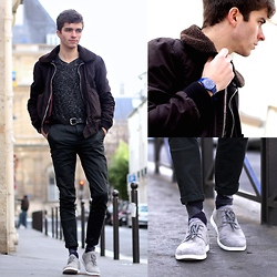 "Matthias C. - Blue Plastic Watch, Asos Dark Green Chino, Ugg Bowmore Shoes, Speckled Sweater, Bomber Jacket - ""Talaria"""