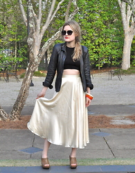 Kirby C - Free People Sunglasses, Free People Top, Vintage Bracelets, Vintage Skirt, Stuart Weitzman Clogs - 3.24