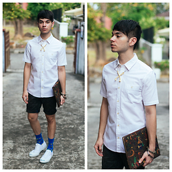 Ira Giorgetti - Os Accessories Bone Necklace, Asos Shirt, Converse Sneakers - Prime Direction