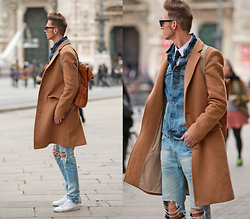 Chaby H. - Tailor4less Camel Coat, Benzolbag Leather Recycled Backpack, Denim Jacket, Ripped Jeans, Leather Sneakers - Camel with denim