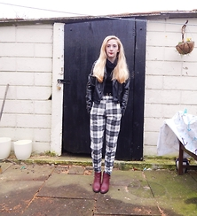 Isobel Thomas - Missguided Checked Trousers - In Check