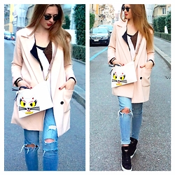 Eugenies - Karl Lagerfeld Bag, Zara Jeans, Only Coat, Navyboot Shoes, Maje Sweater - Comfy Sneakers