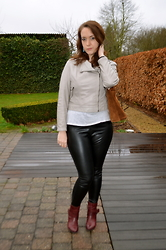 Sarah M - Primark Jacket, Veritas Bag, Primark Pants, Pikolinos Ankle Boots - Leather Look